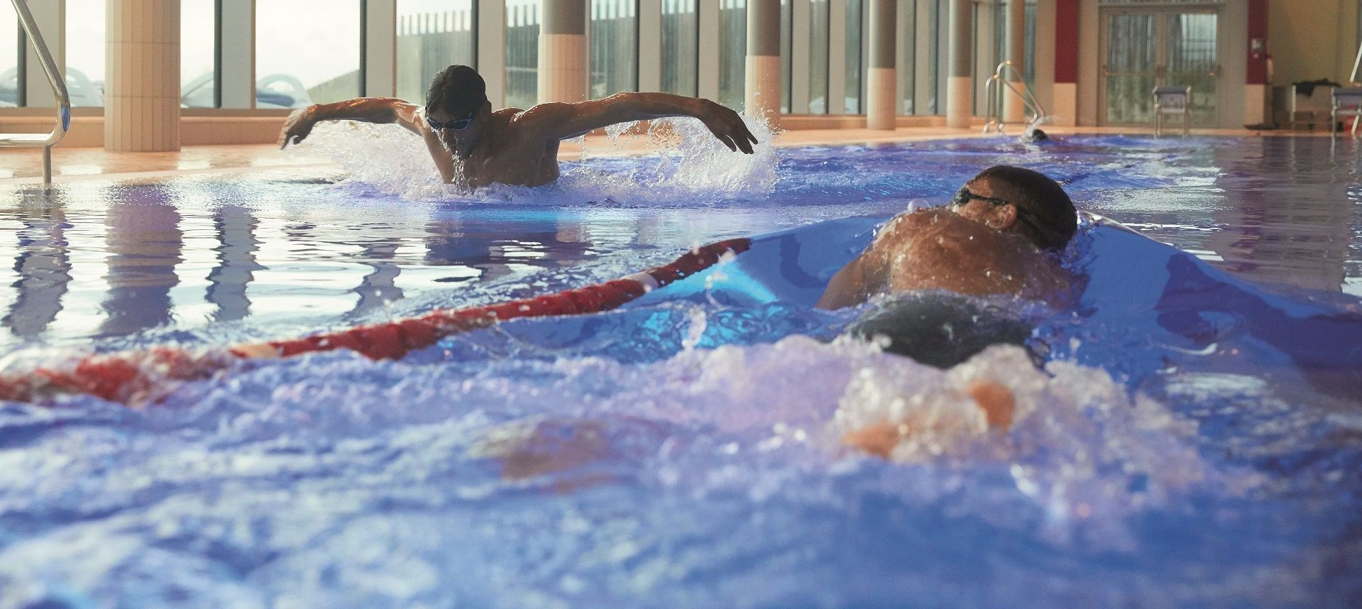 Schwimmen in der Sylter Welle auf sylt